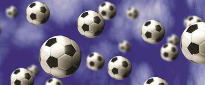 Footballs on Blue Background Panorama Fotobehang 187VEP