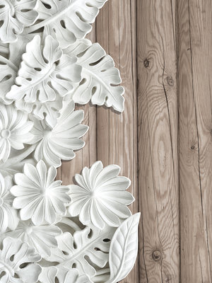 Alabaster Flowers on Wooden Planks Fotobehang 10136VEA
